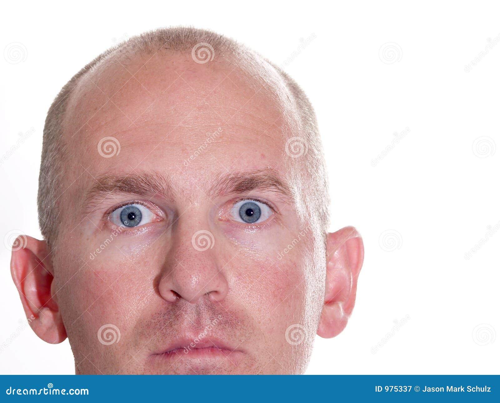 Homem Eyed azul espantado 2