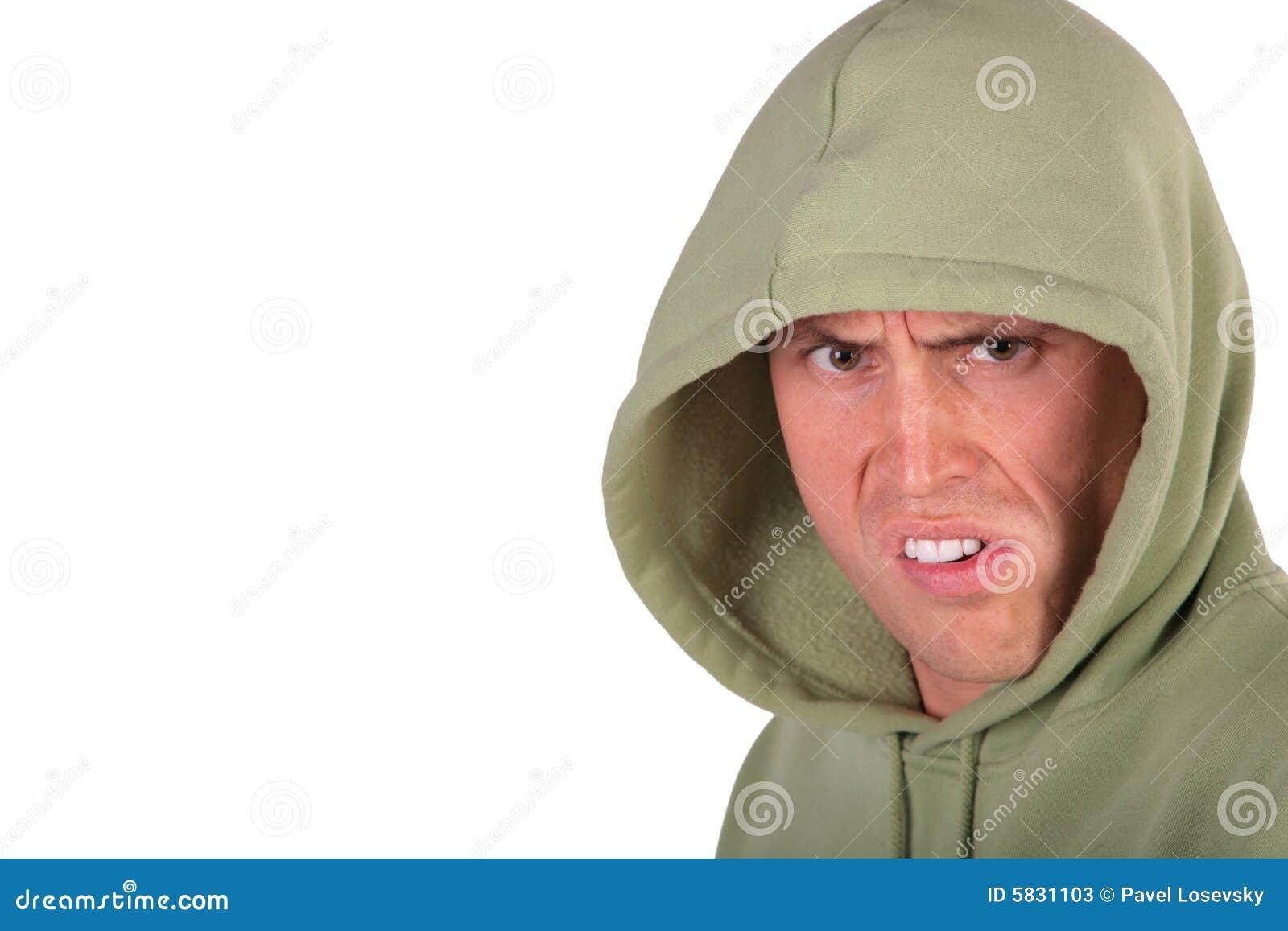 Homem irritado na capa
