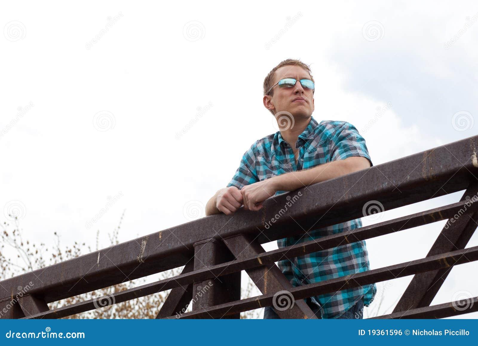Homem na ponte