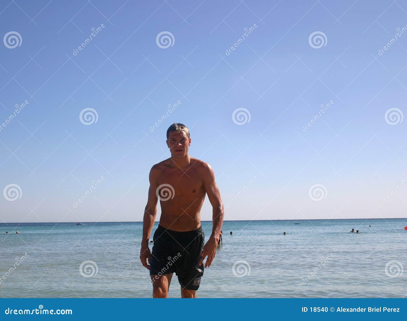 Homem na praia