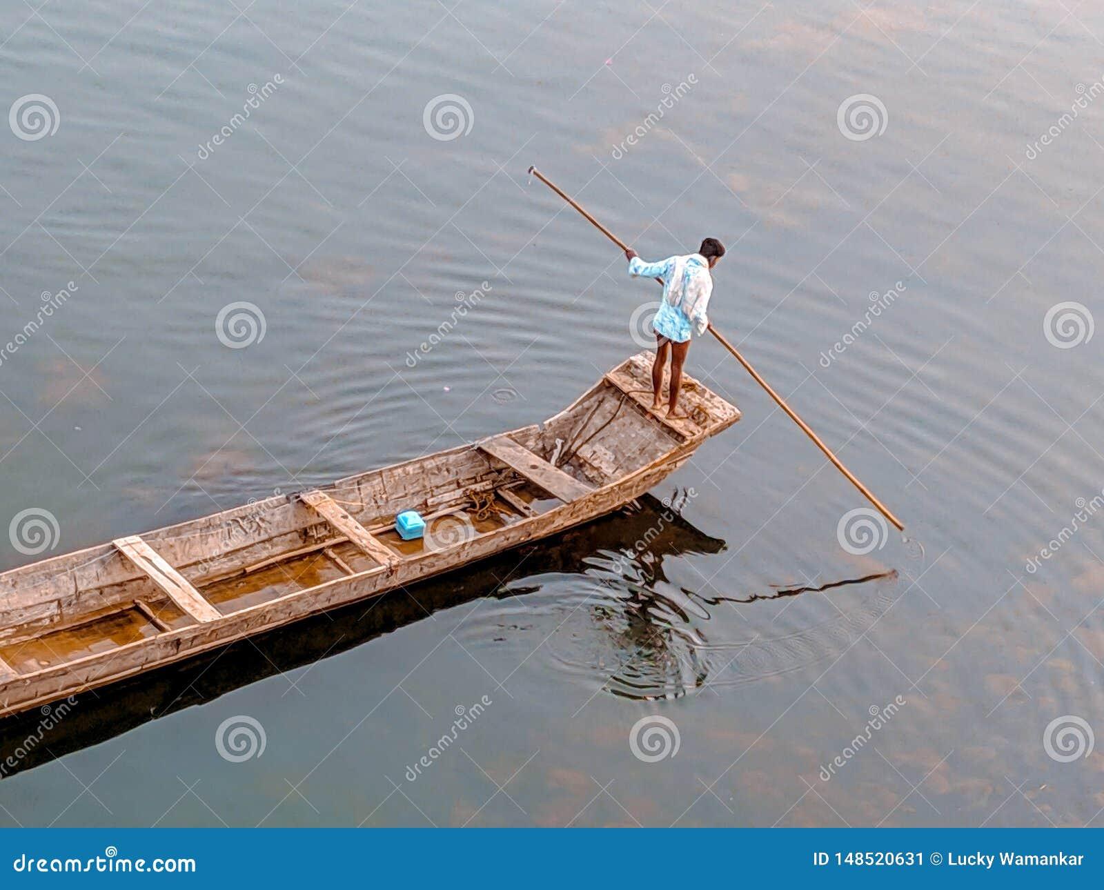 Homem no barco