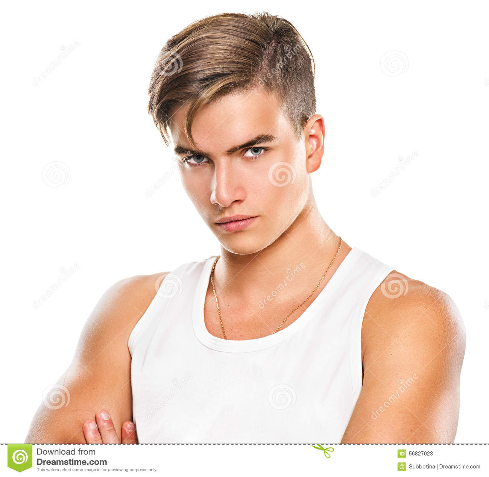 Homem novo atlético considerável