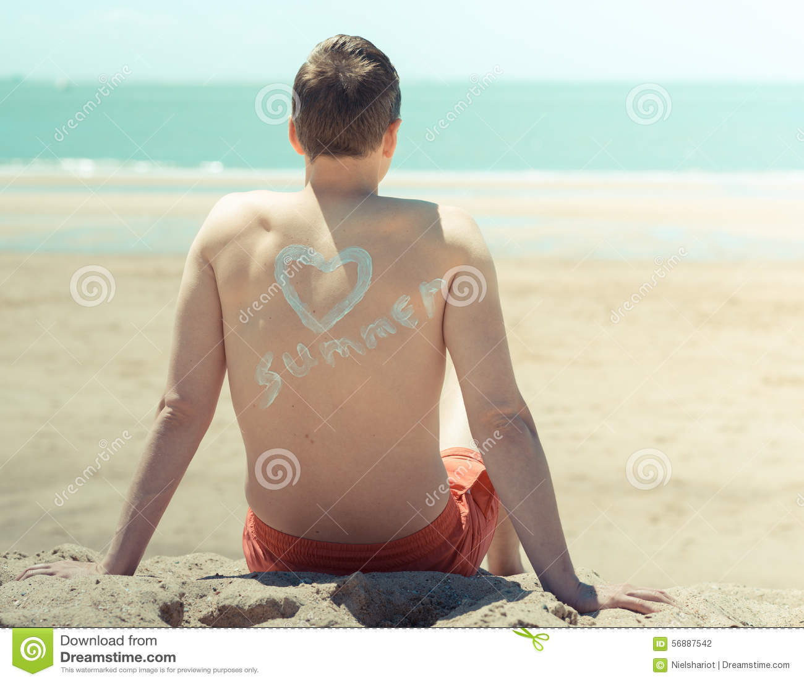 Homem novo na praia