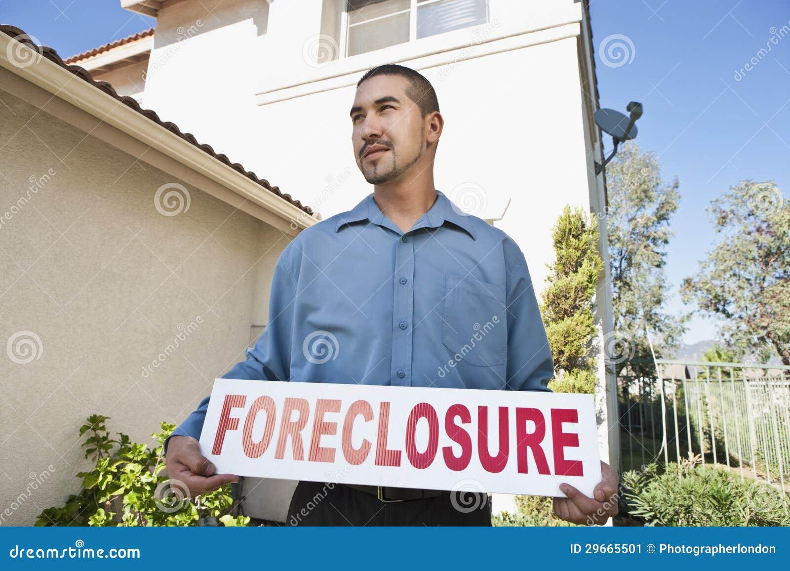 Homem que guardara o ~Foreclosure Sign~