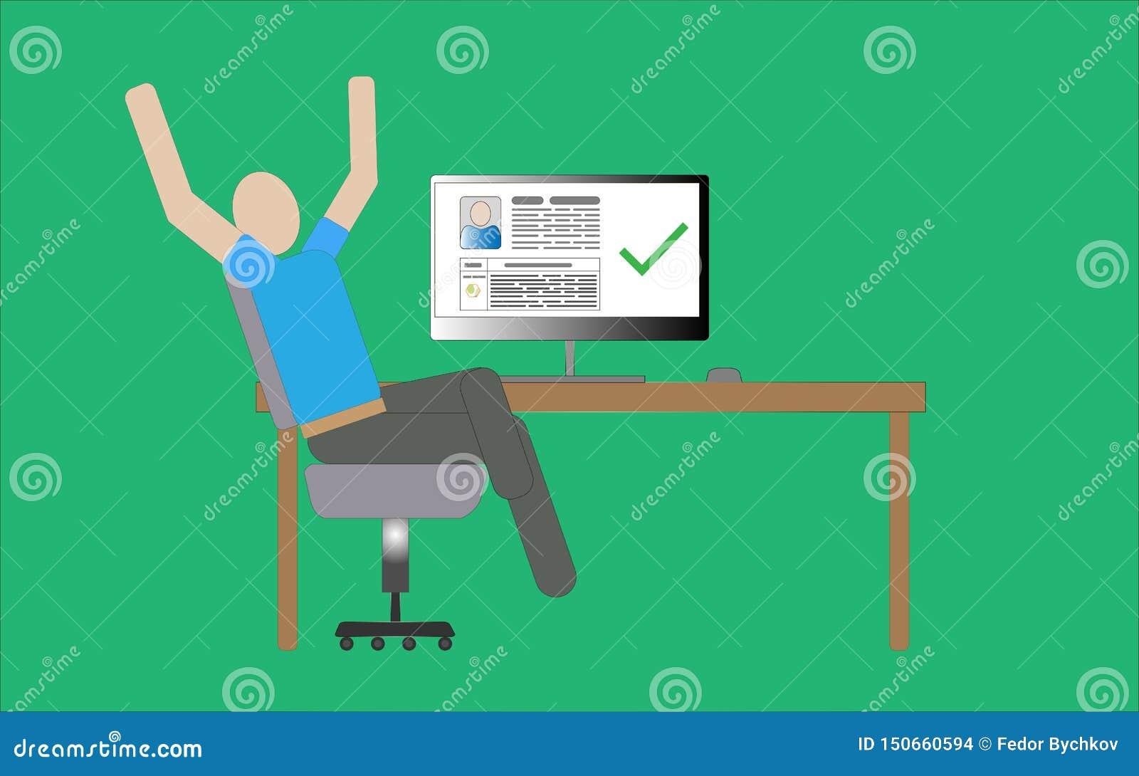 Homem que senta-se em uma cadeira no computador
