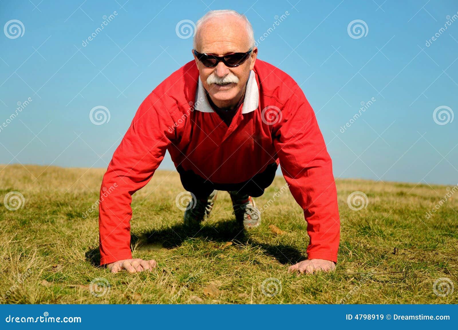Homem sênior atlético