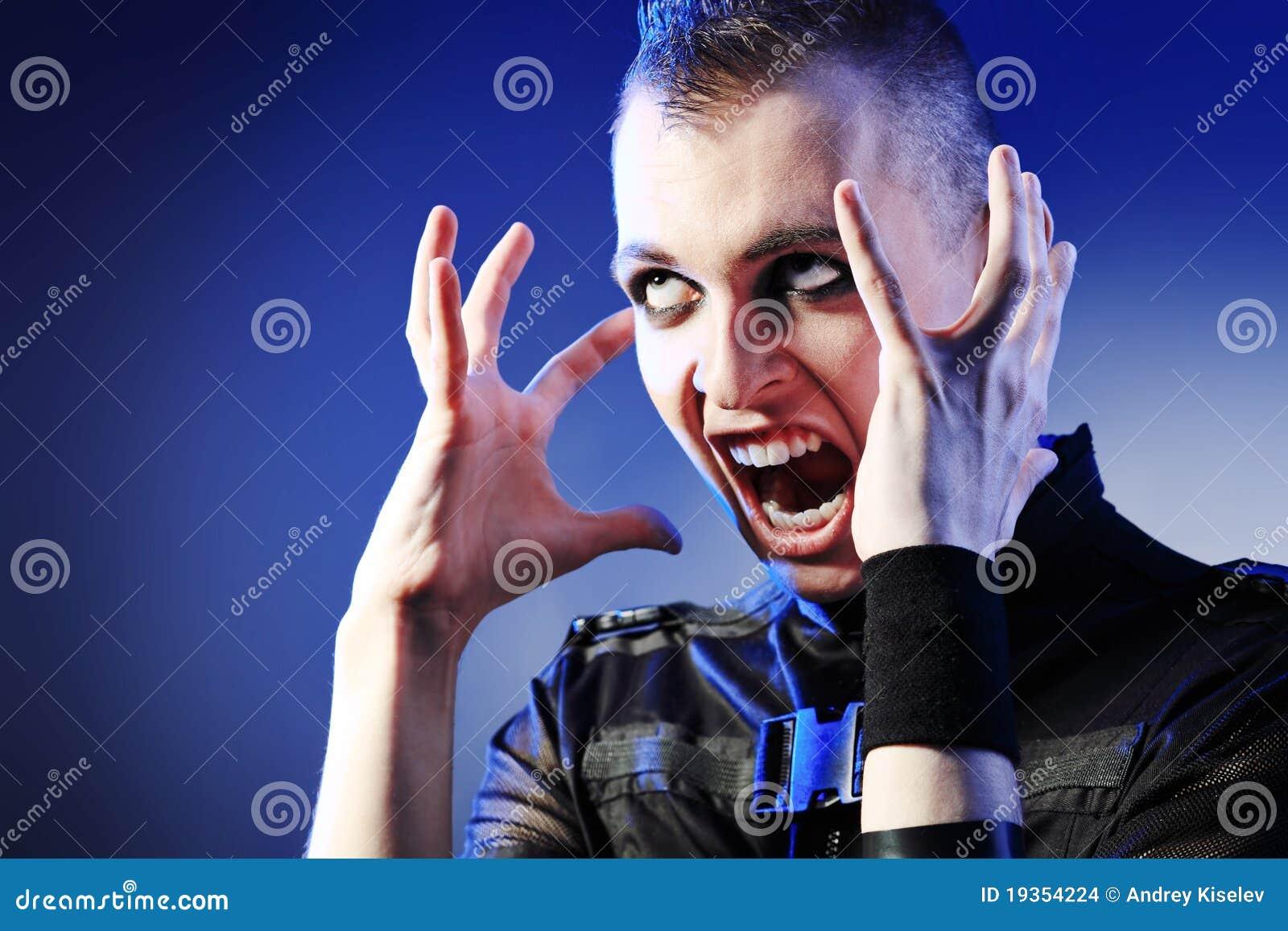 Homem Shouting