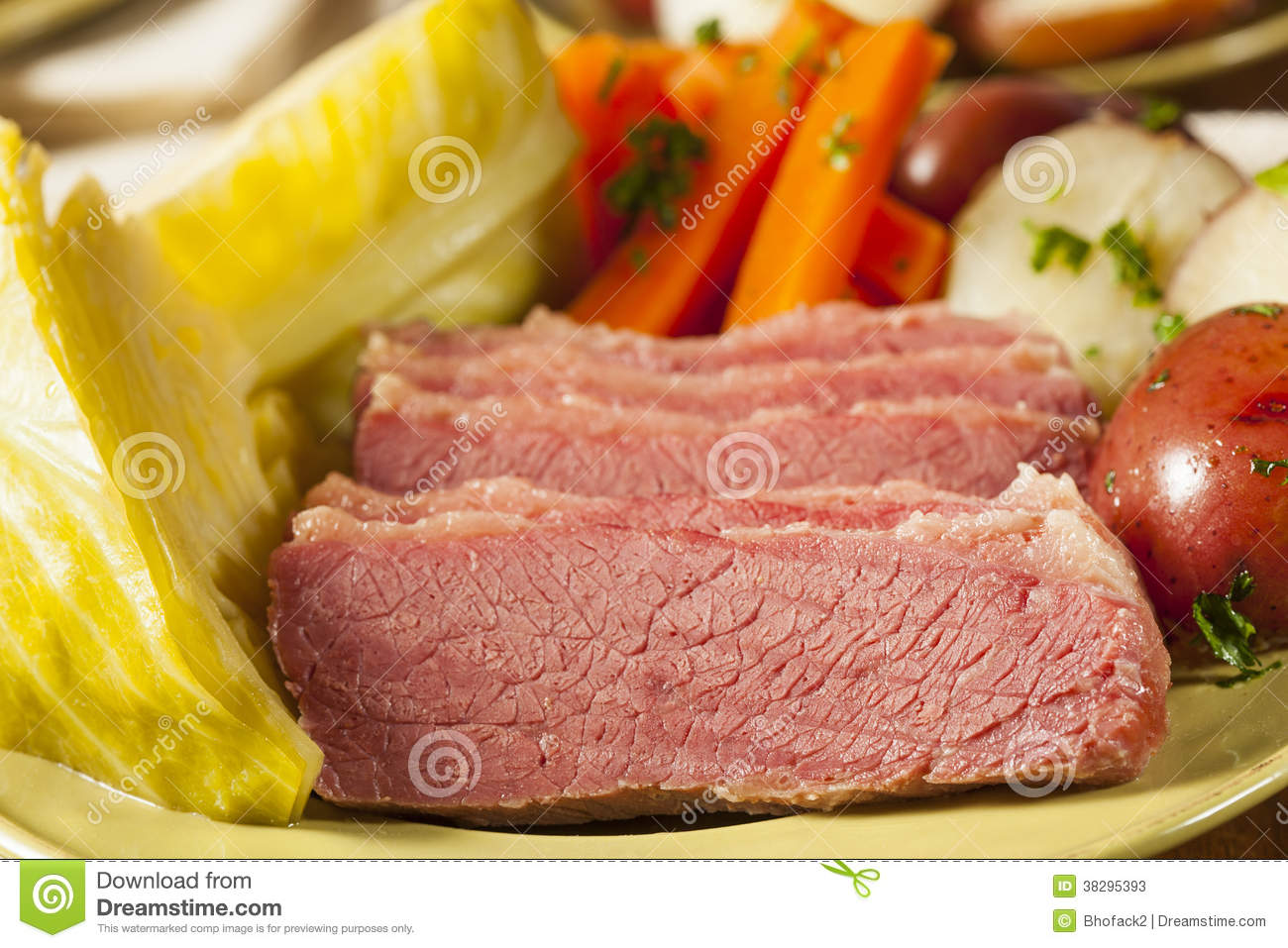 Homemade Corned Beef And Cabbage Stock Photos - Image: 38295393