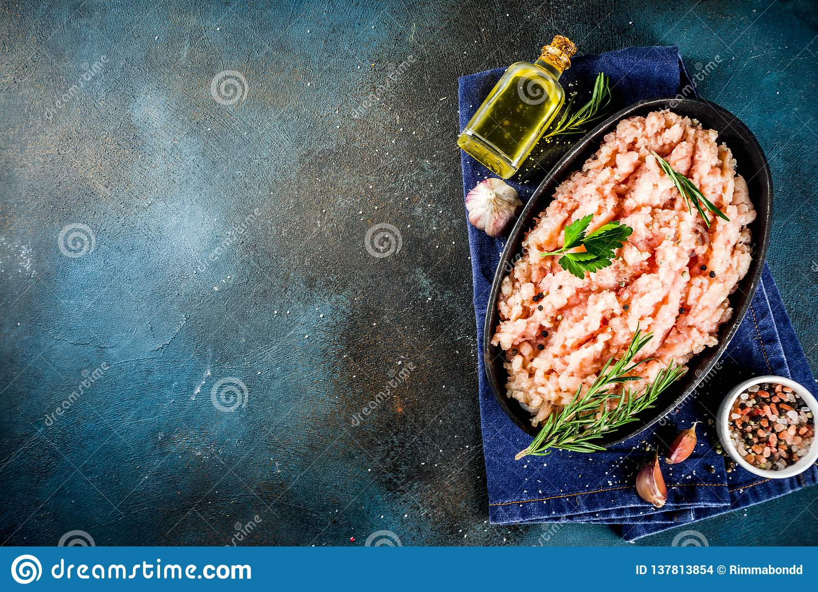Homemade minced chicken meat