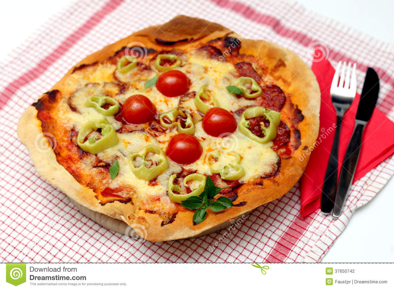 how to make cheese and tomato pizza