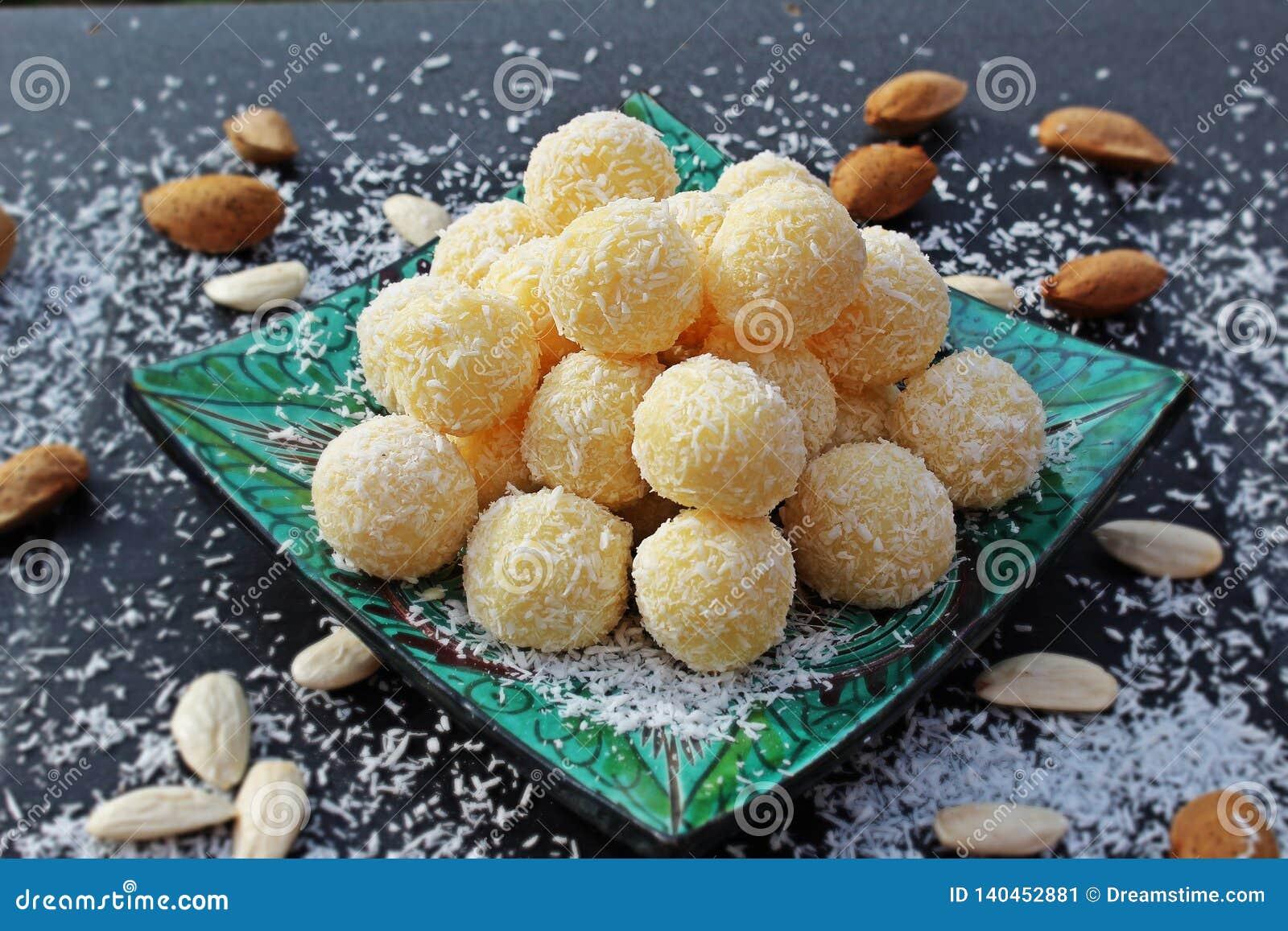 Homemade raffaello balls.