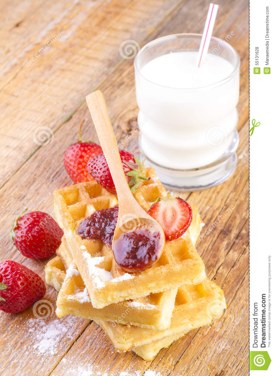 how to make strawberry syrup for waffles