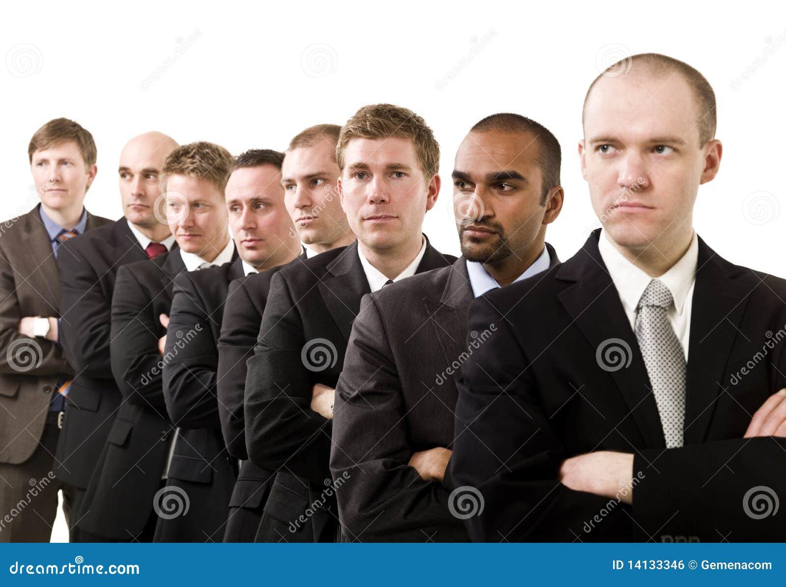 Homens de negócios em uma linha