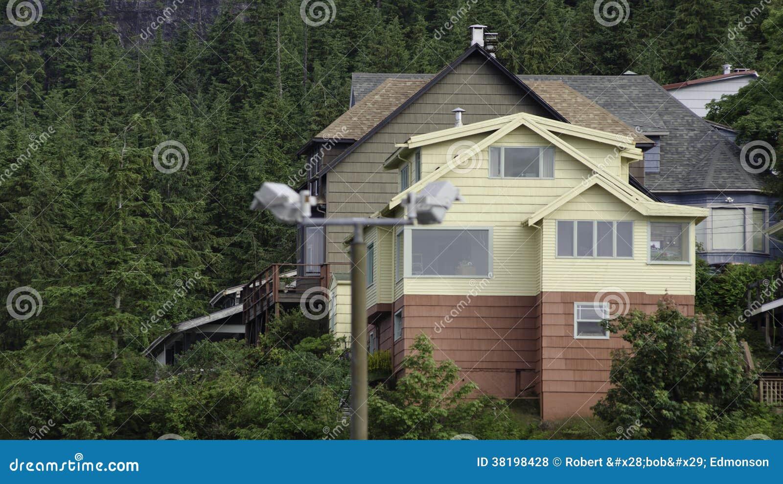 Homes in ketchikan alaska royalty free stock photos for Home builders in alaska