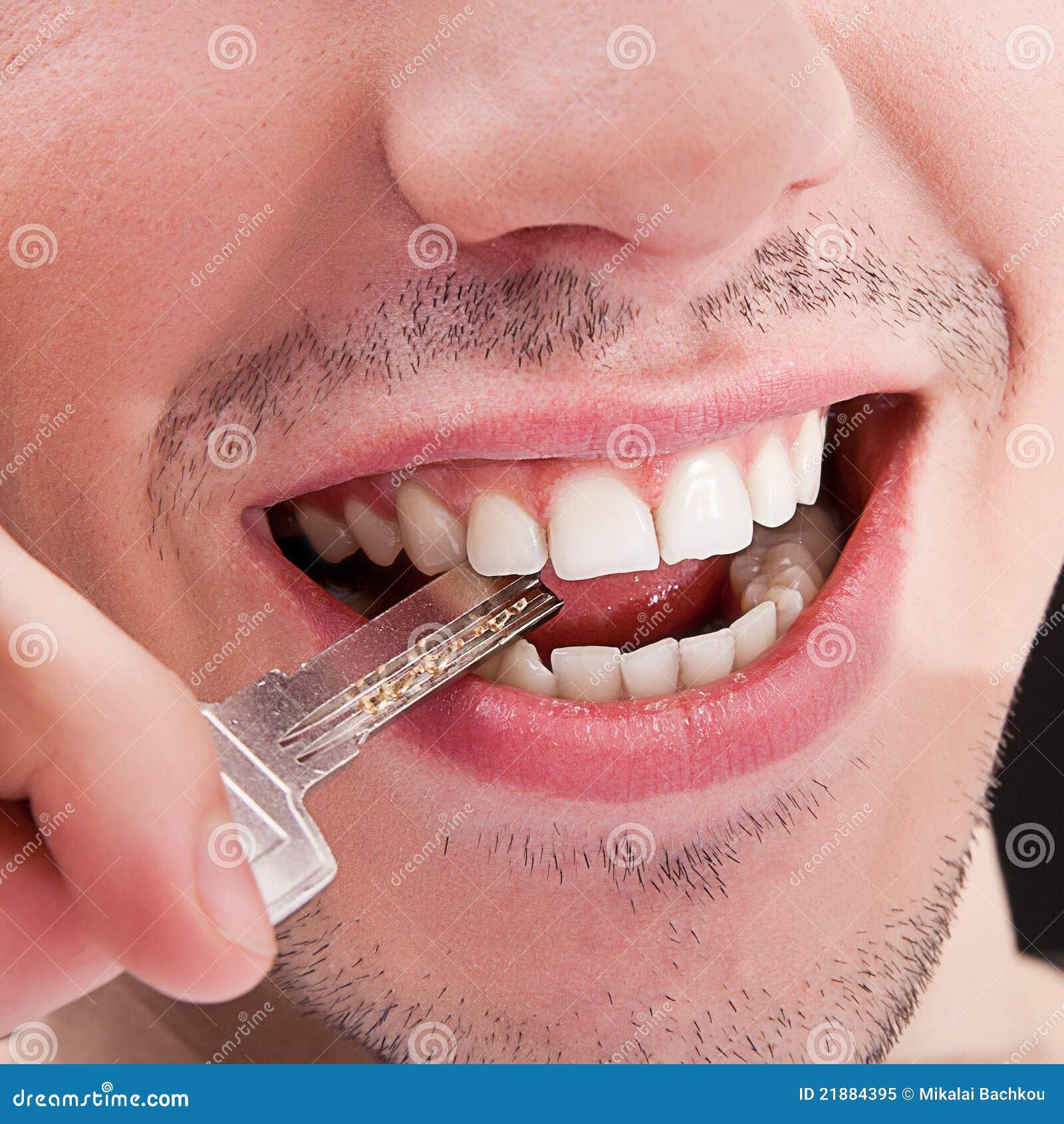 Homme Avec Les Dents Blanches Image Stock Image Du Visage Bouche