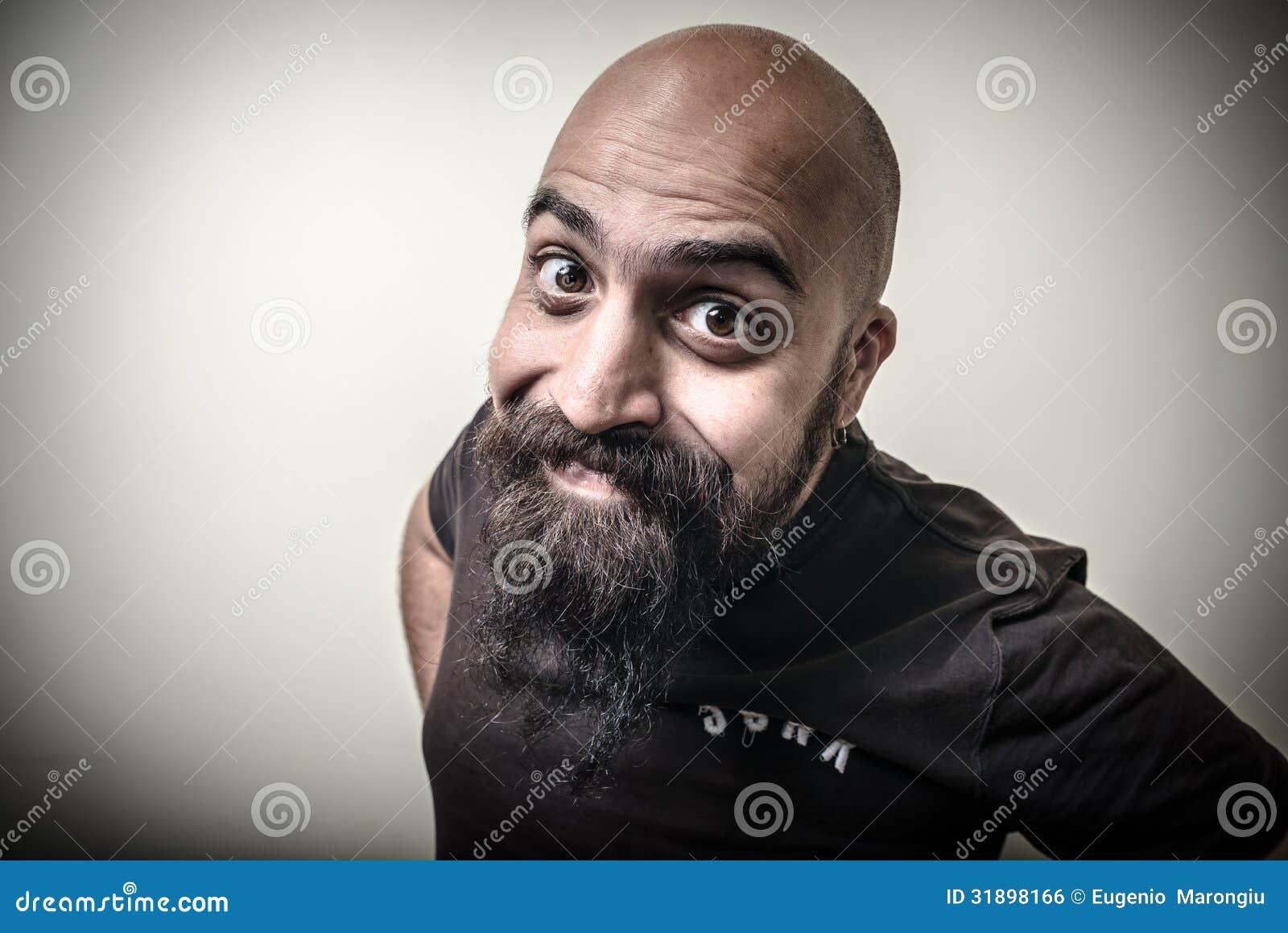 homme barbu dr le de sourire photo stock image du chauve calvitie 31898166. Black Bedroom Furniture Sets. Home Design Ideas