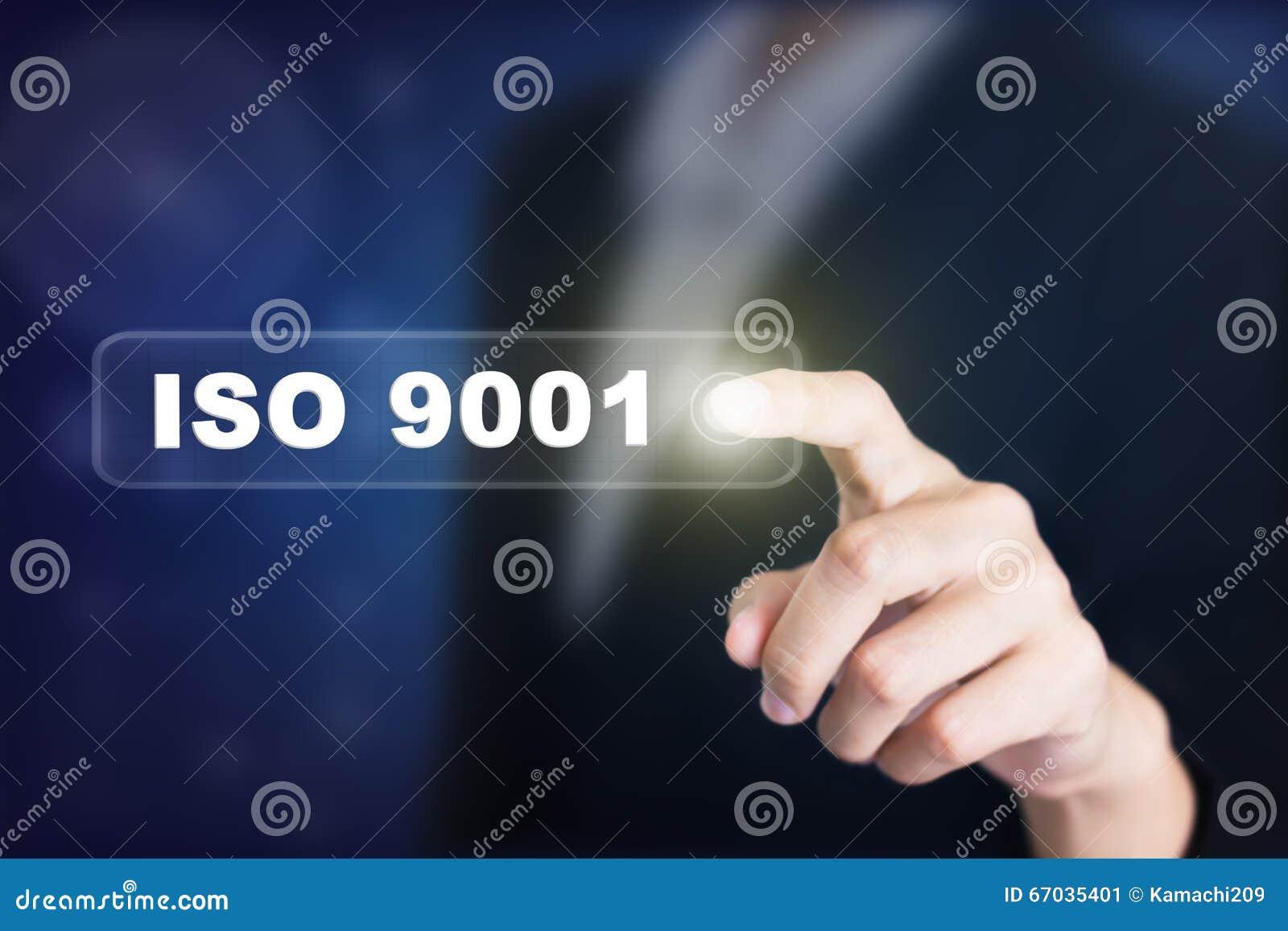 Homme d affaires appuyant sur un bouton de concept d OIN 9001