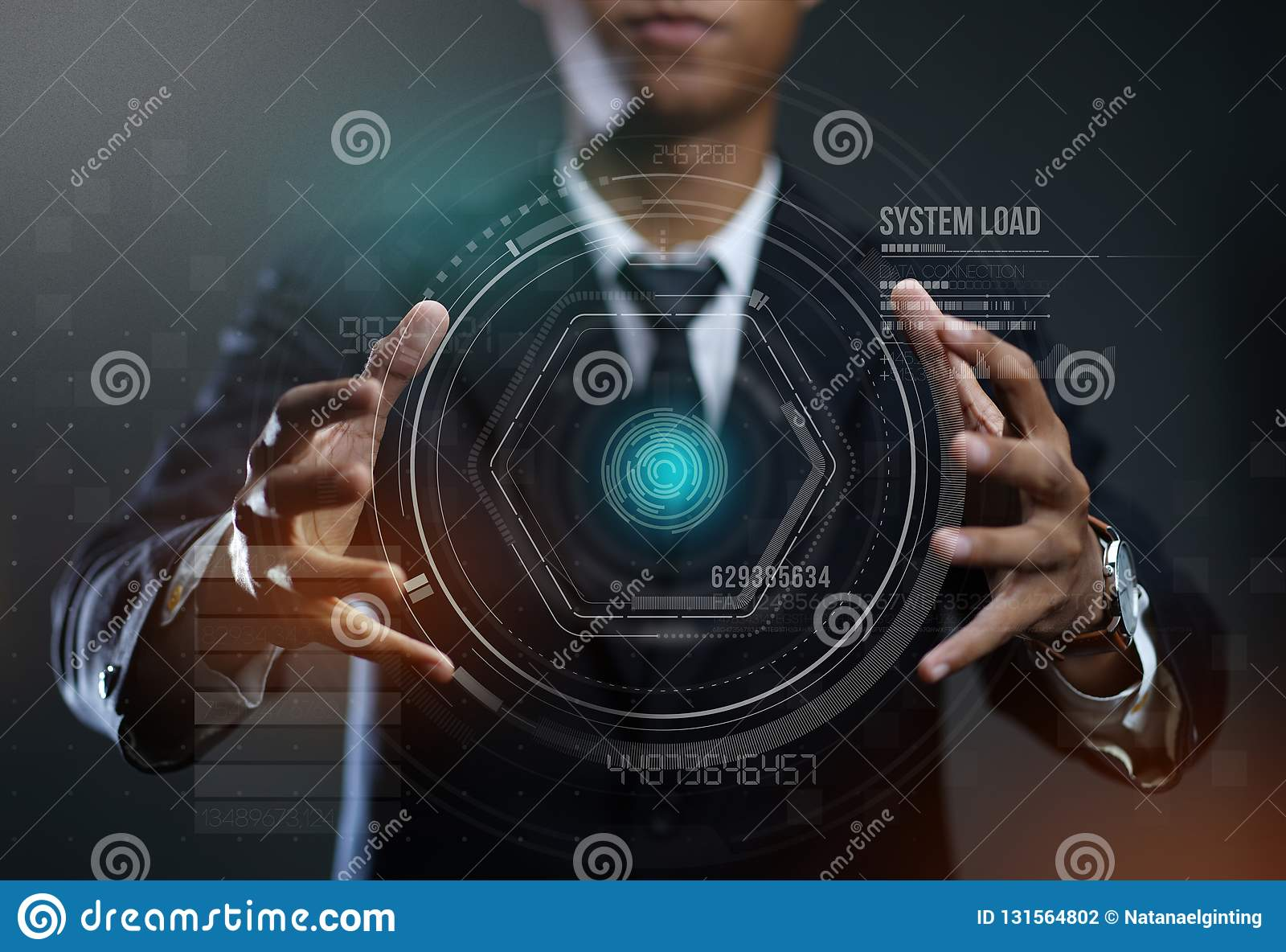 Homme d affaires Creating Circle HUD Hologram