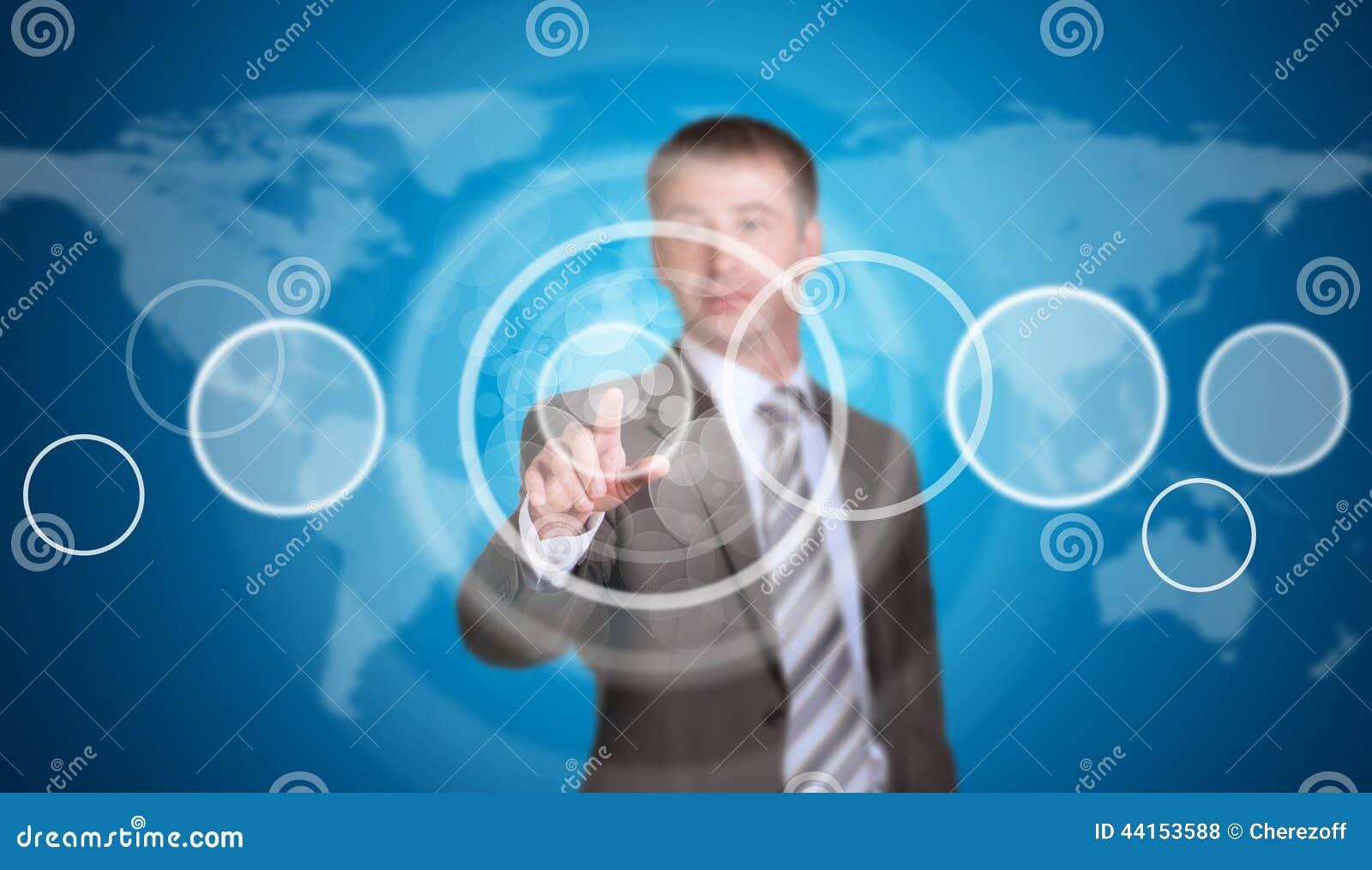 Homme d affaires dans un costume dirigeant son doigt au