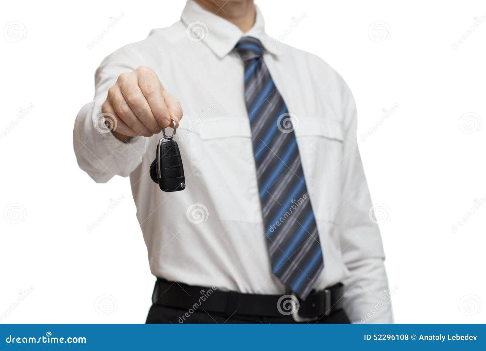 Homme d affaires donnant une clé de voiture