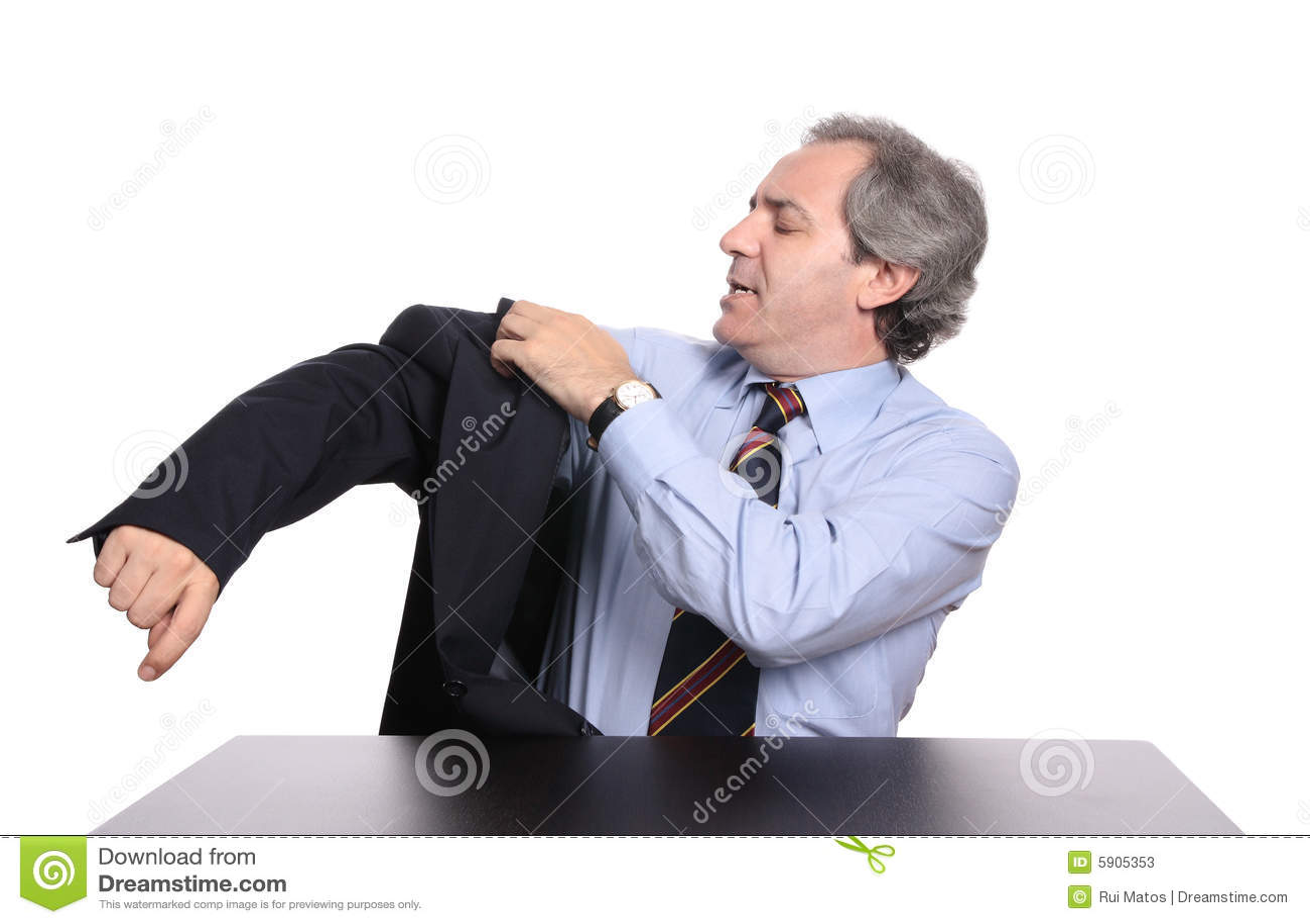 Homme d affaires mûr utilisant une jupe