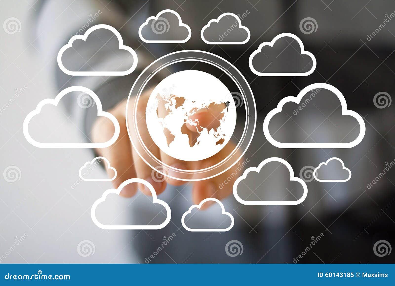 Homme d affaires poussant le réseau de nuage de symbole de carte de bouton de Web