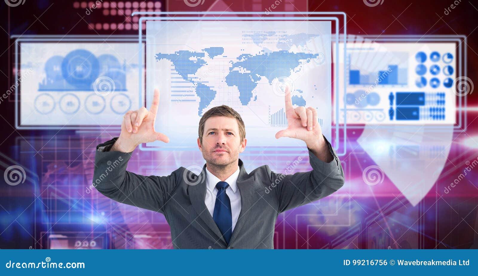Homme d affaires touchant et agissant l un sur l autre avec des panneaux d interface de technologie