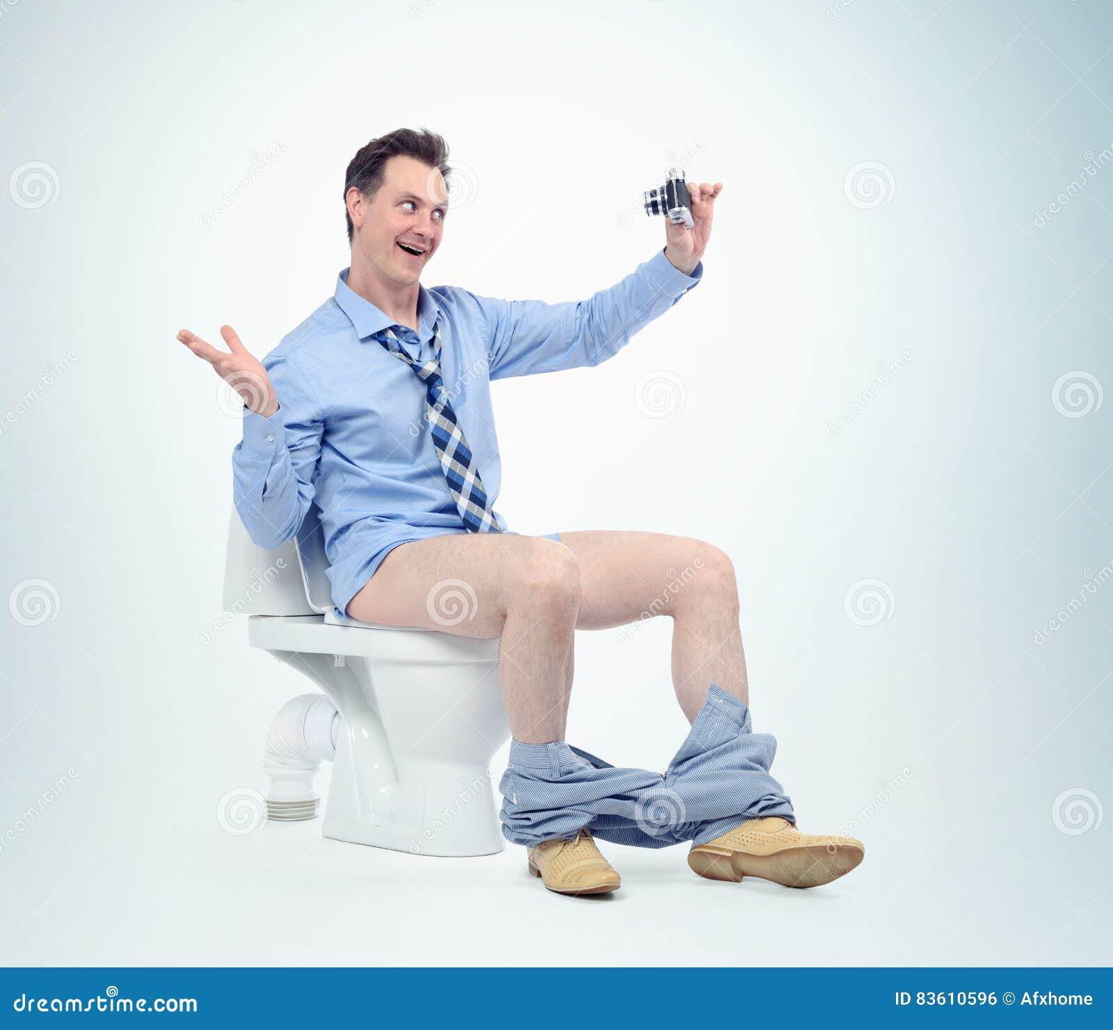 Homme Drôle Se Photographiant Dans La Toilette Concept De Selfie Photo stock - Image du mâle ...