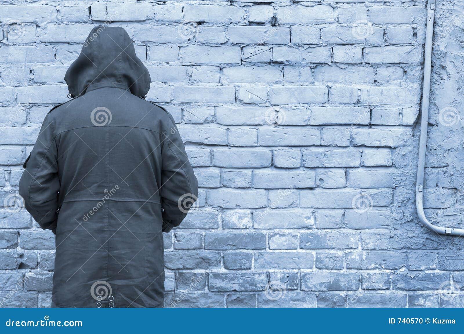 Homme et mur