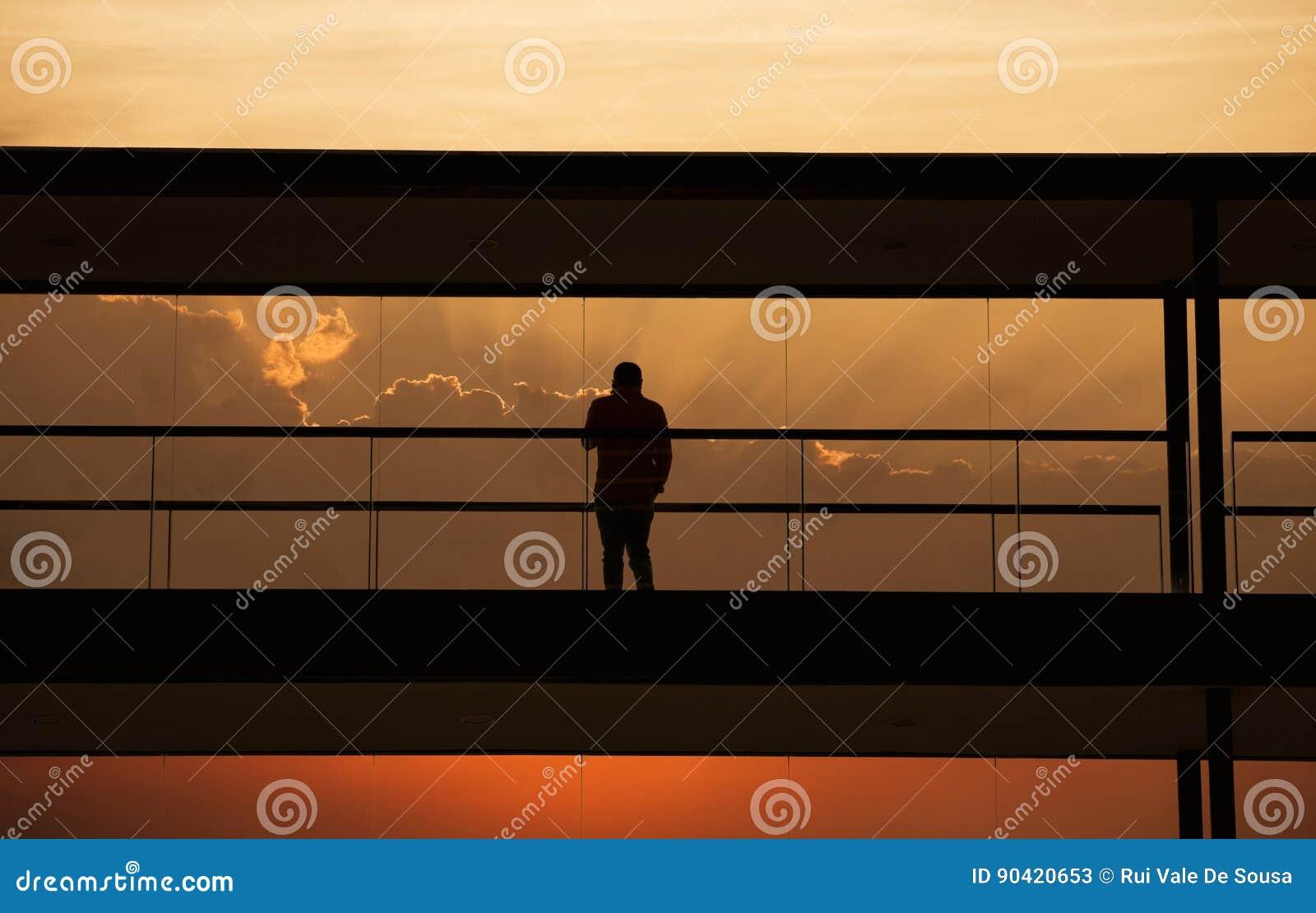 Homme moderne de bureau image stock. image du businessman 90420653