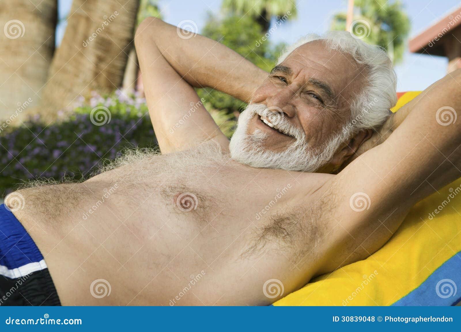 Se LonguePhoto Homme Supérieur De Le Trouvant Sur Portrait Chaise dxrCBoe