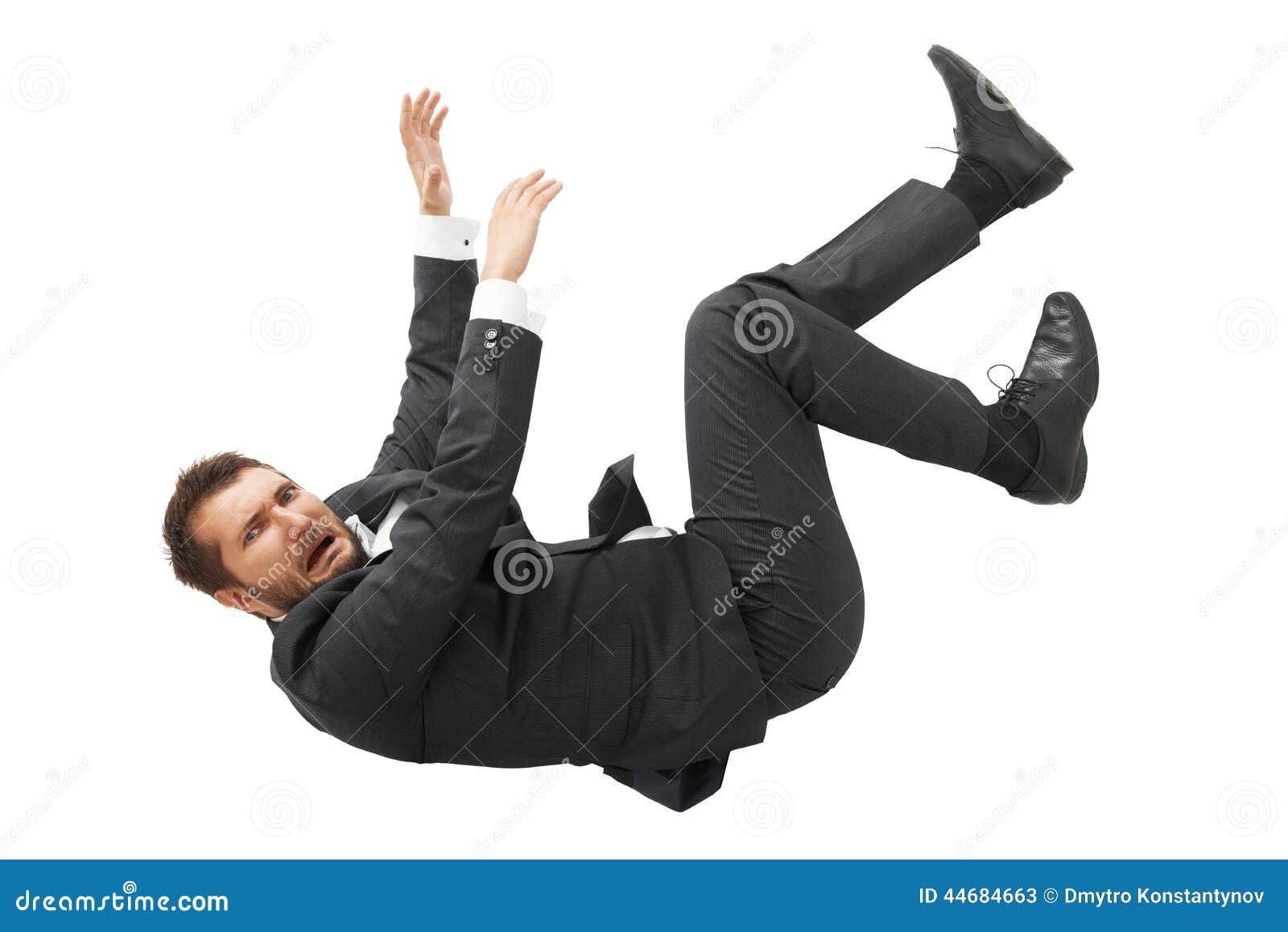 Homme tombant vers le bas et criant