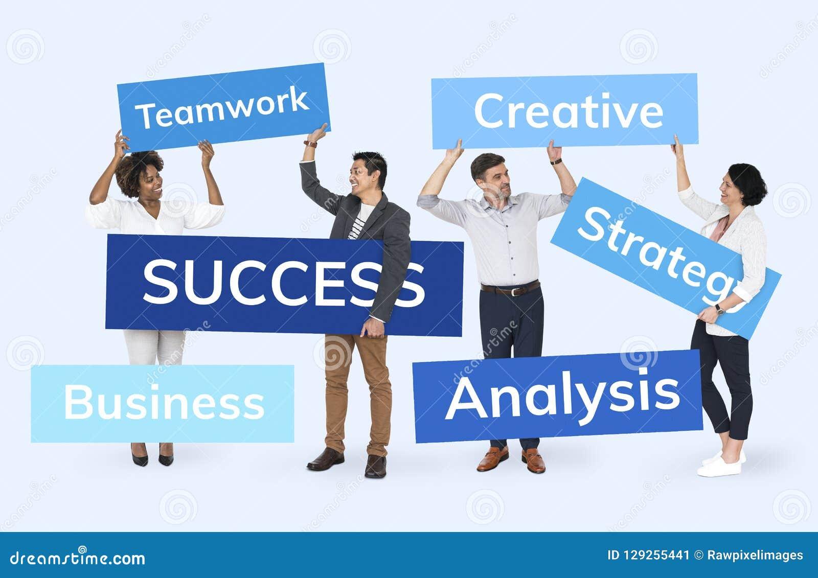 Hommes d affaires avec un plan pour le succès