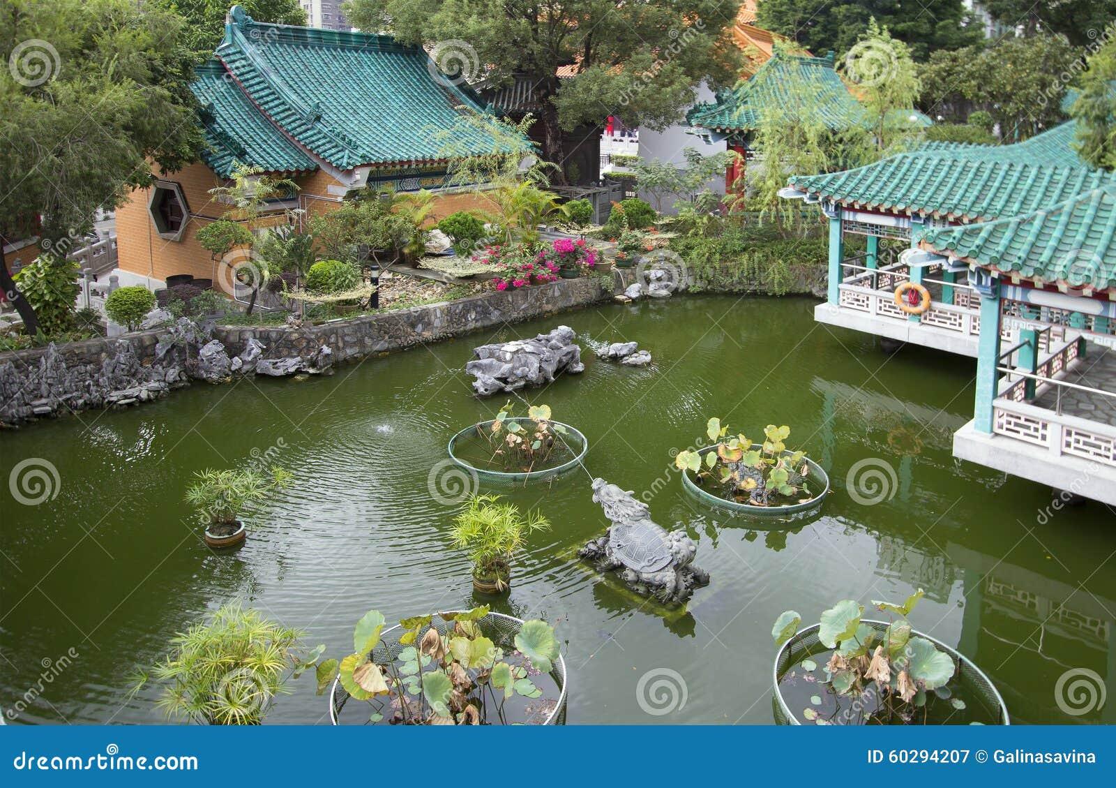 Hon Kong Cultive Un Huerto En El Templo Del Pecado De Wong
