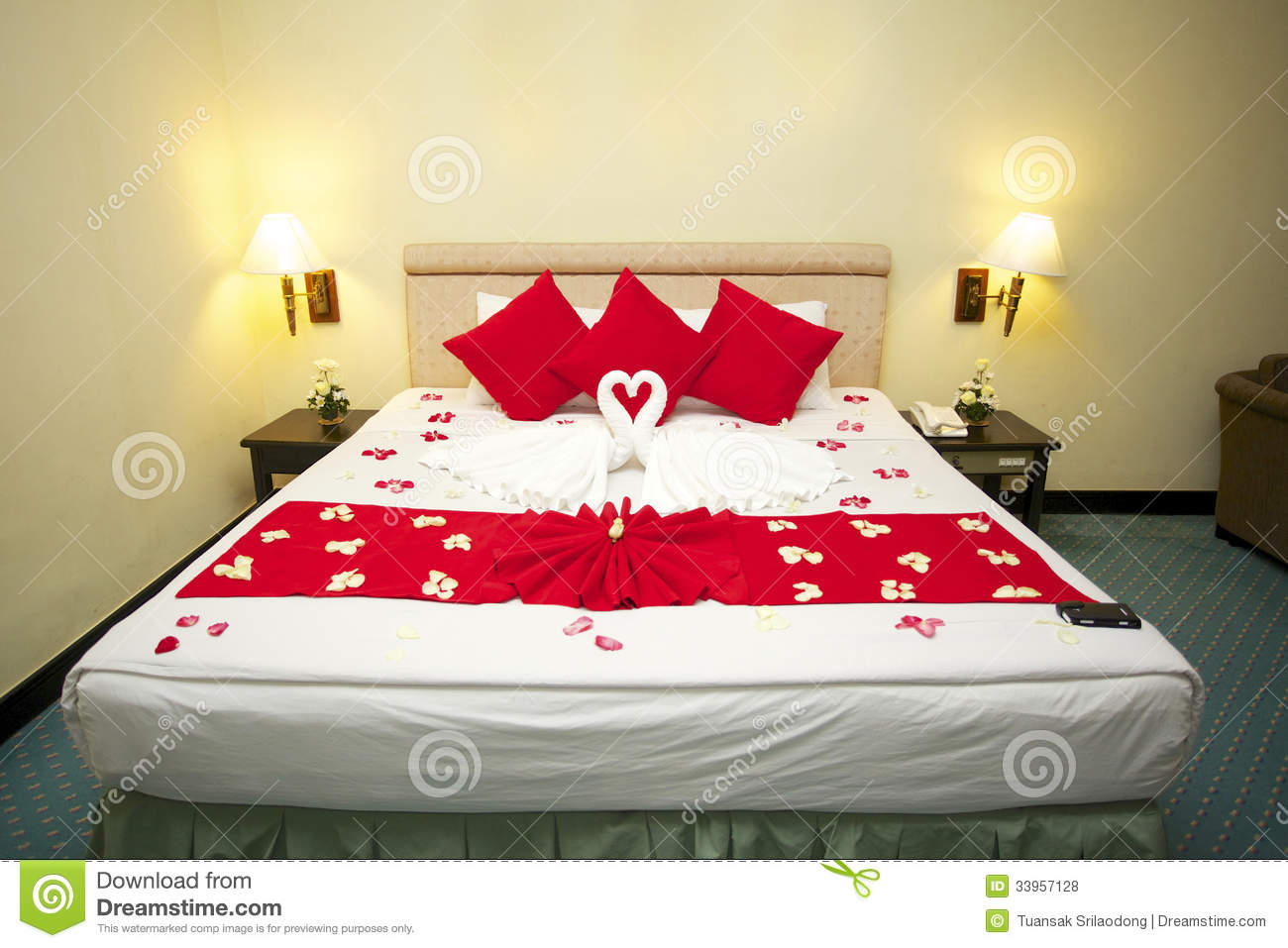 Couple room decoration - Honeymoon Bed Royalty Free Stock Photos Image 33957128