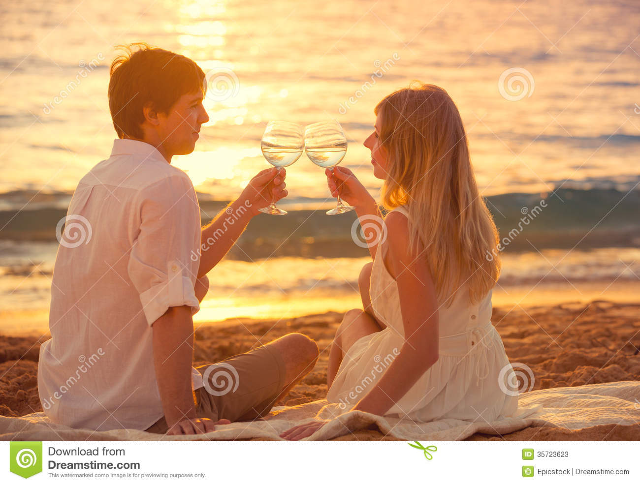 Love Wallpaper Man Woman : Honeymoon concept, Man And Woman In Love Stock Photos ...