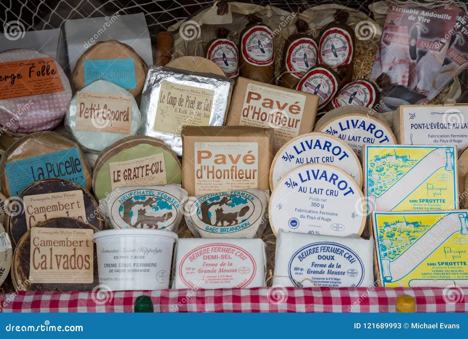 Honfleur Normandië mag 4de 2013: Een selectie van kazen in een Ho