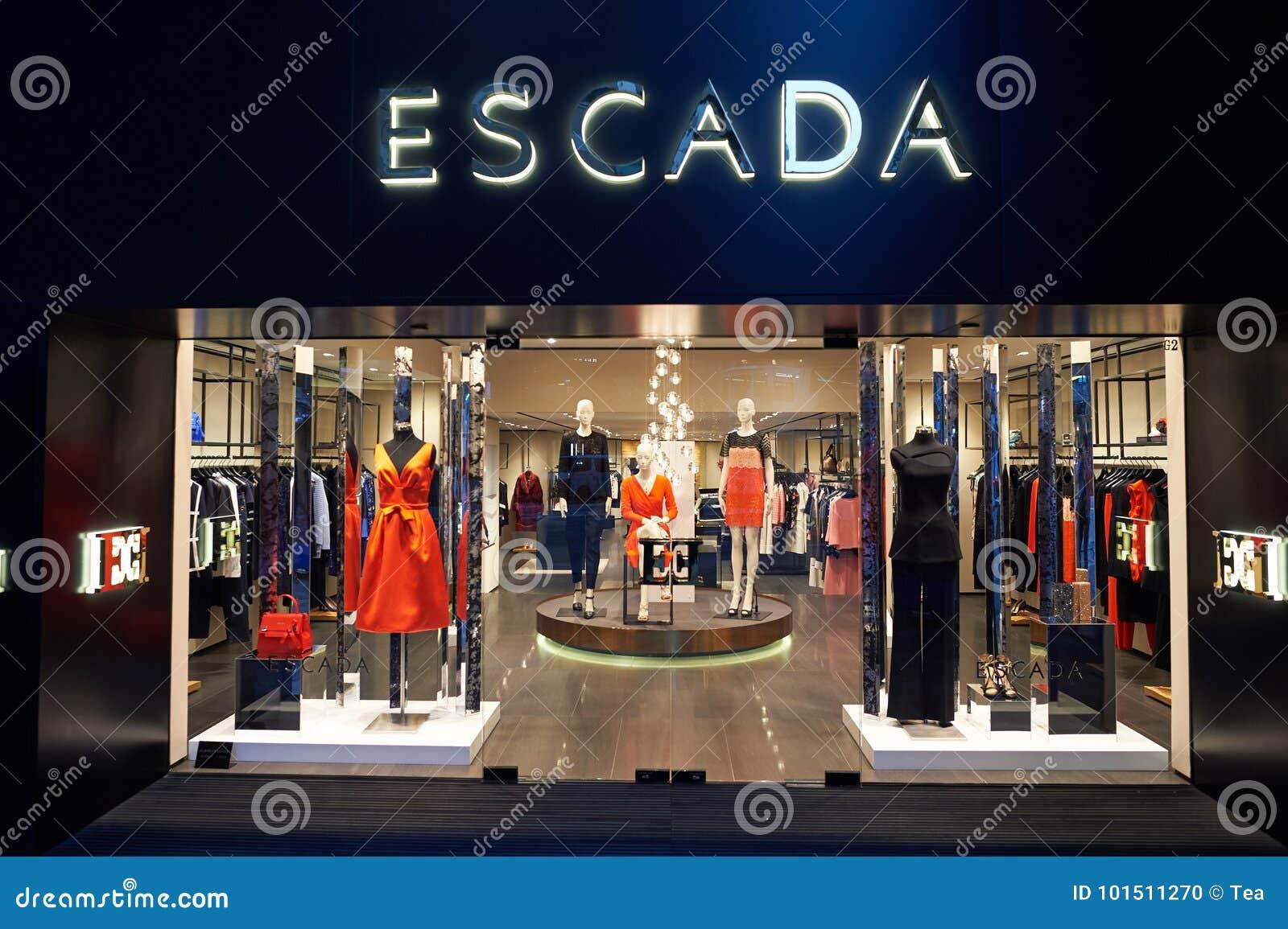 b944e5de3a9 Escada store editorial image. Image of mall, color, female - 101511270
