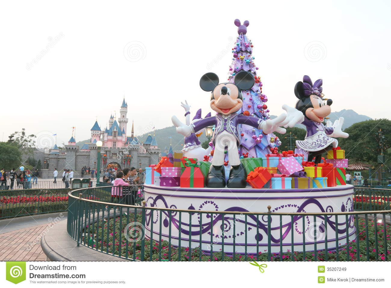 Christmas In Disneyland Hong Kong.Hong Kong Disneyland Editorial Stock Image Image Of Castle