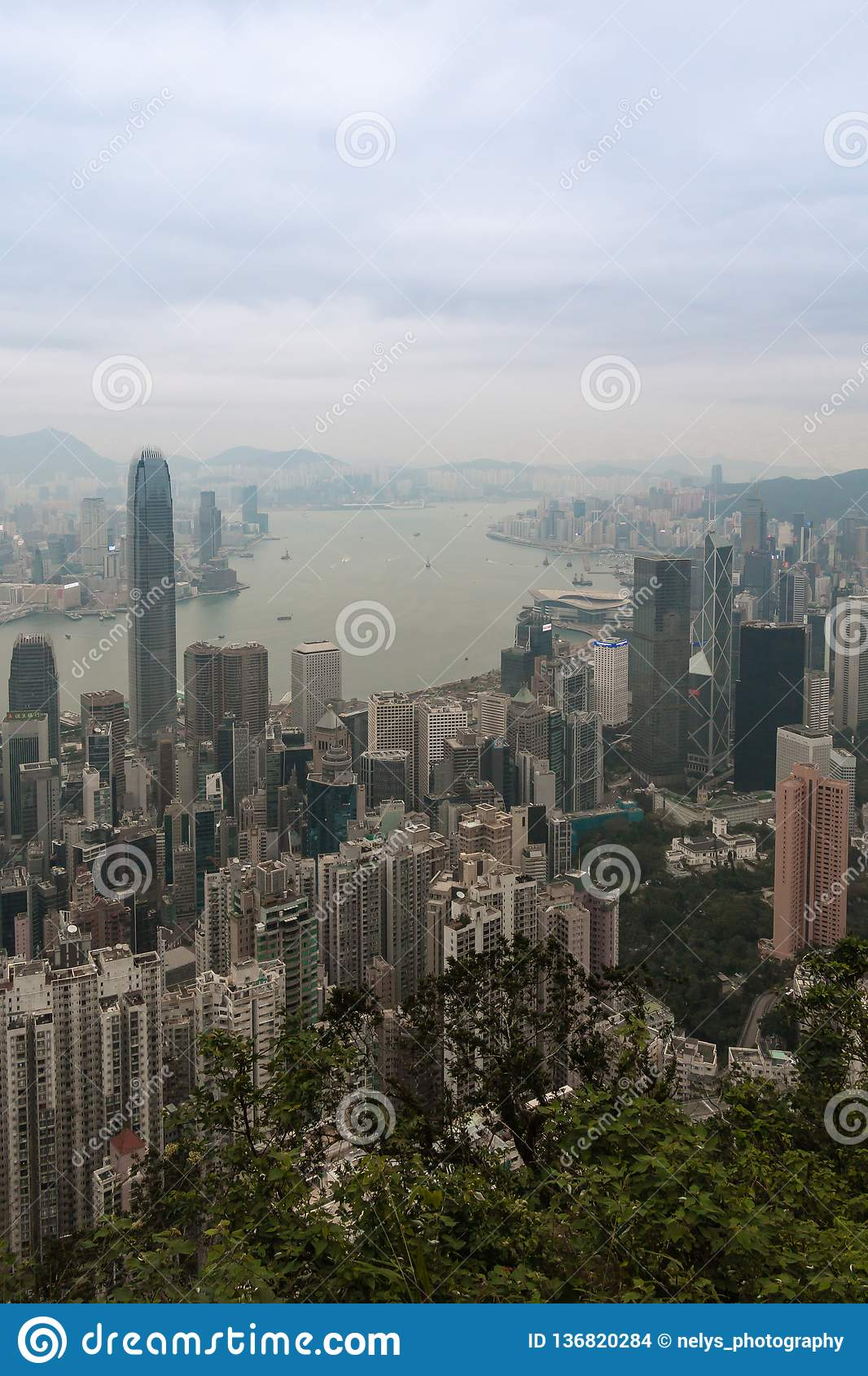 Hong Kong-horizon, mening van Victoria Peak