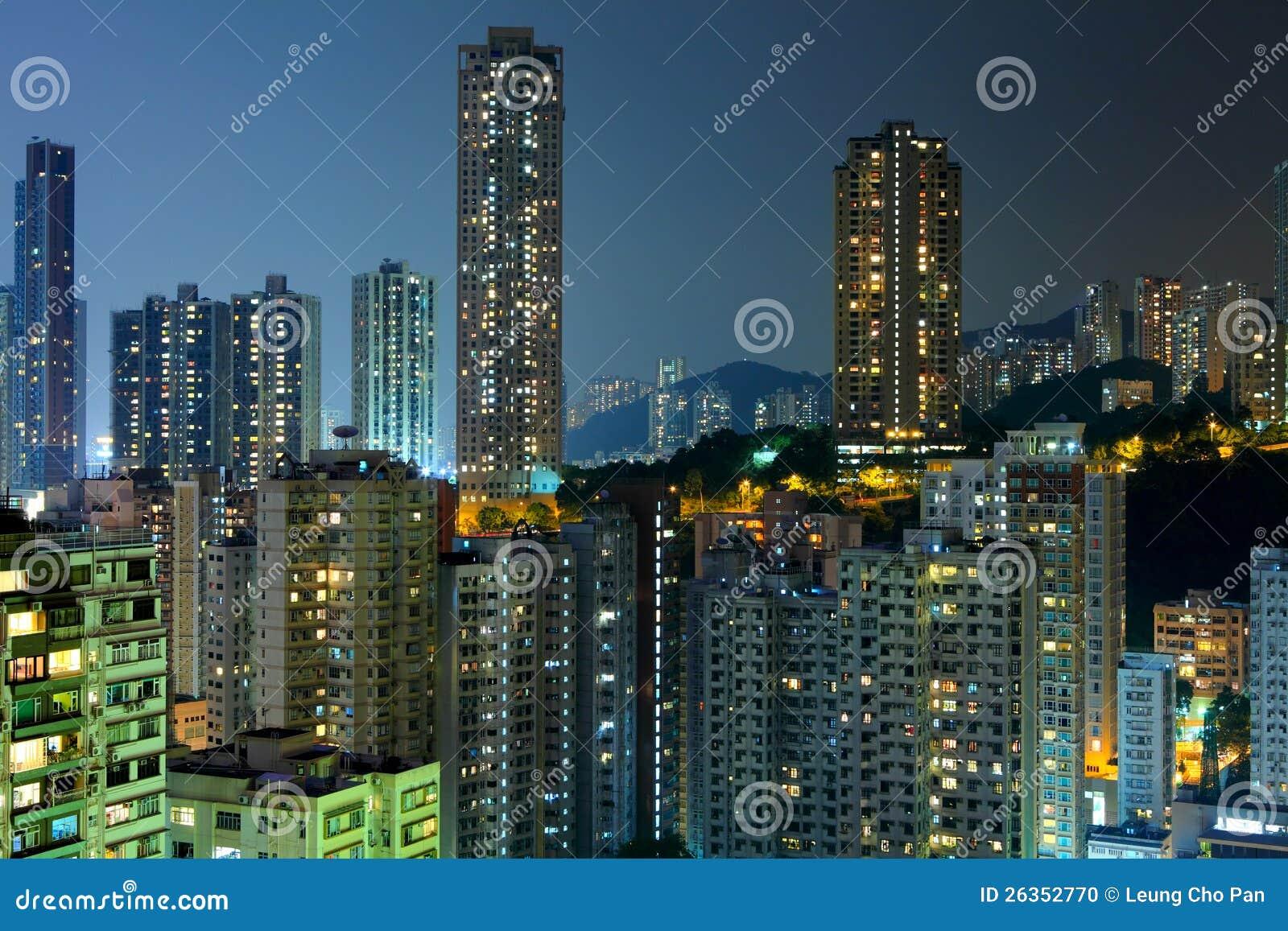 Hong Kong mit gedrängtem Gebäude