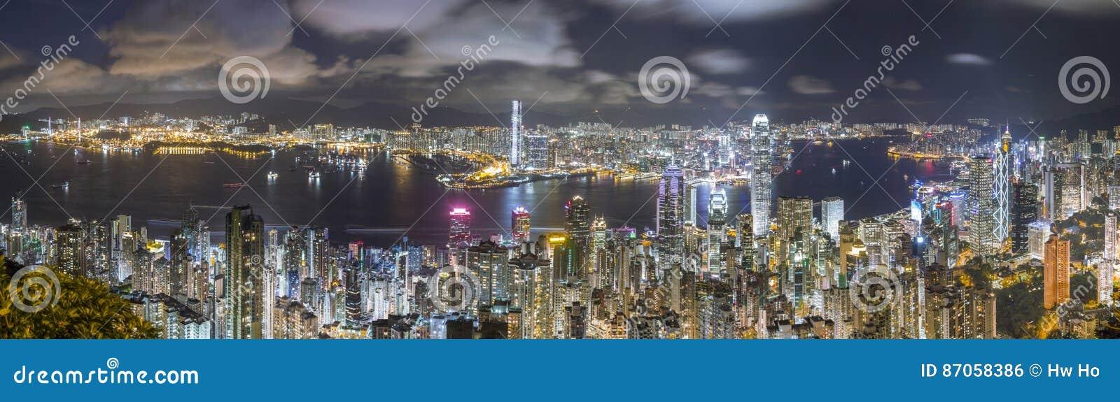 Hong Kong Panorama Skyline en la noche, visión desde el pico