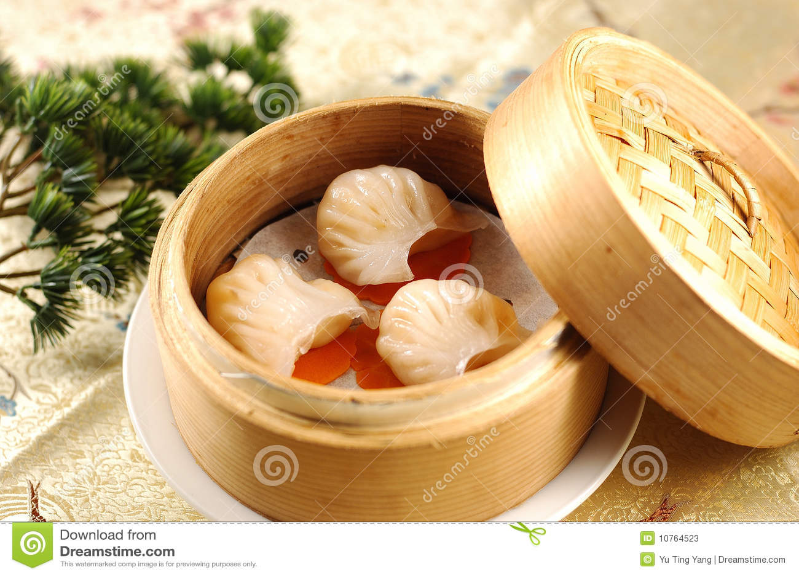 hong kong style dim sum prawn dumplings stock photos image 10764523. Black Bedroom Furniture Sets. Home Design Ideas