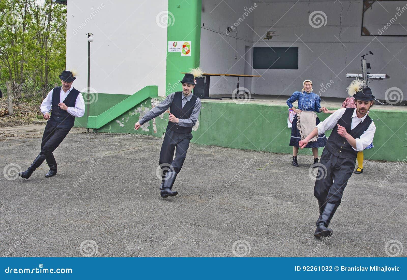 Hongaarse Nationale Dans Redactionele Fotografie Afbeelding