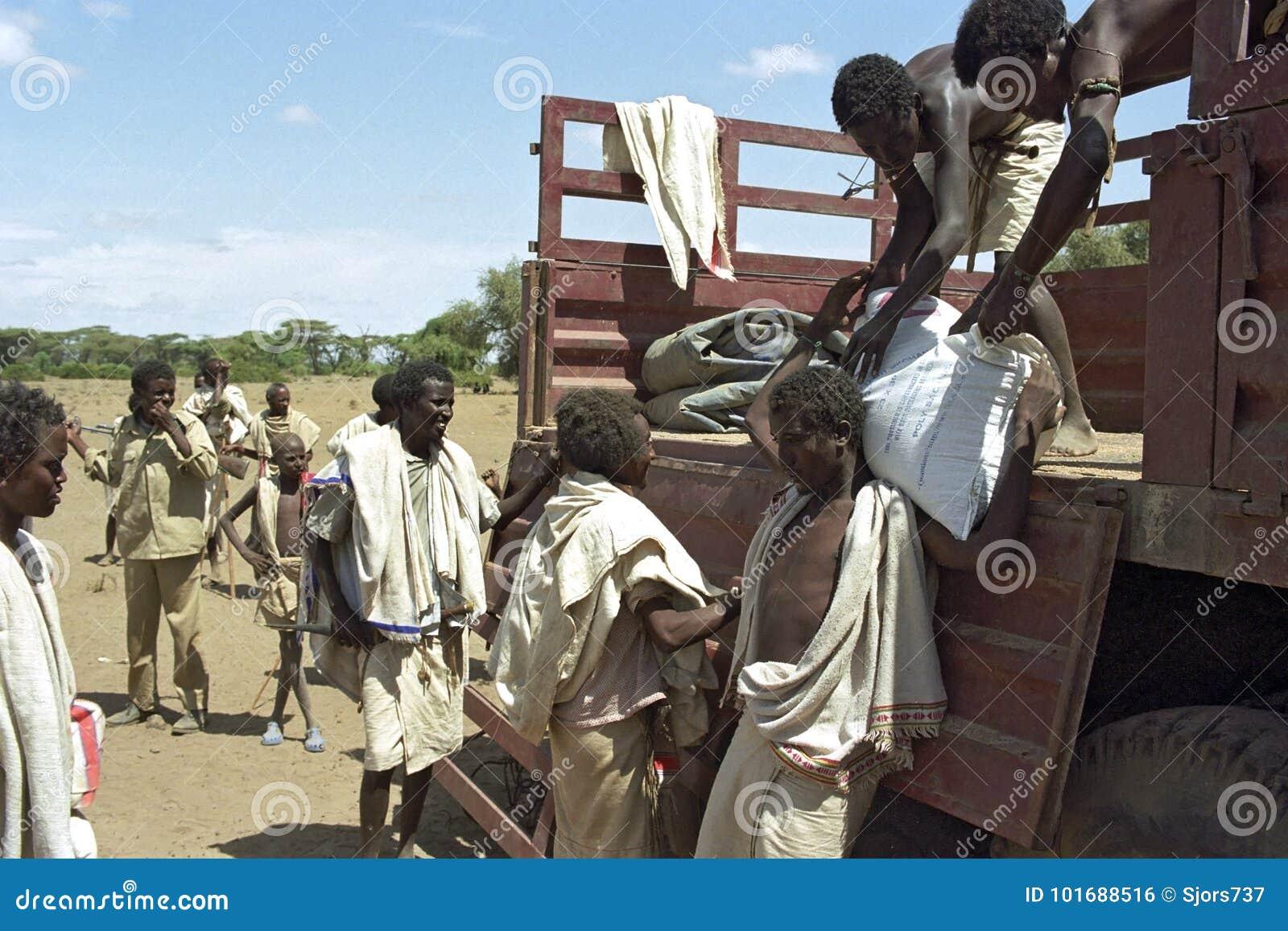 Honger en dorst voor Verafgelegen mensen in Ethiopische woestijn