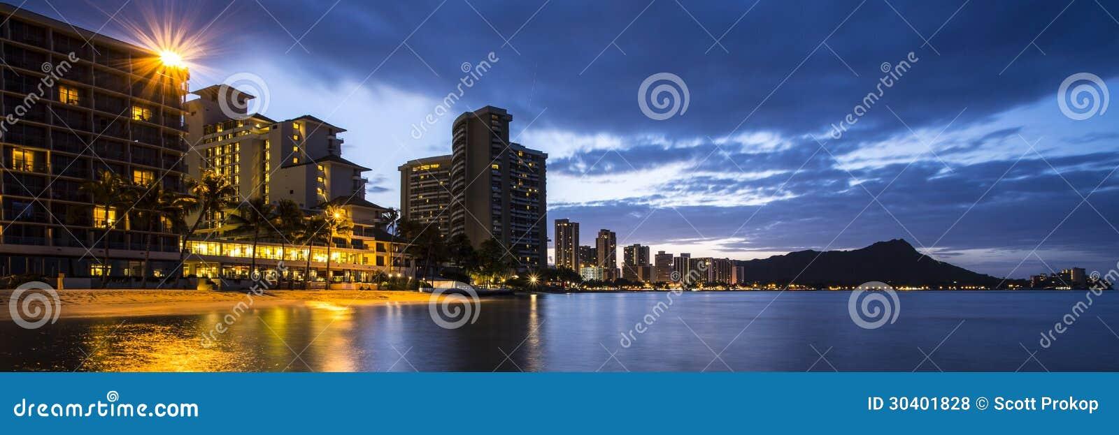 Honolulu en la noche