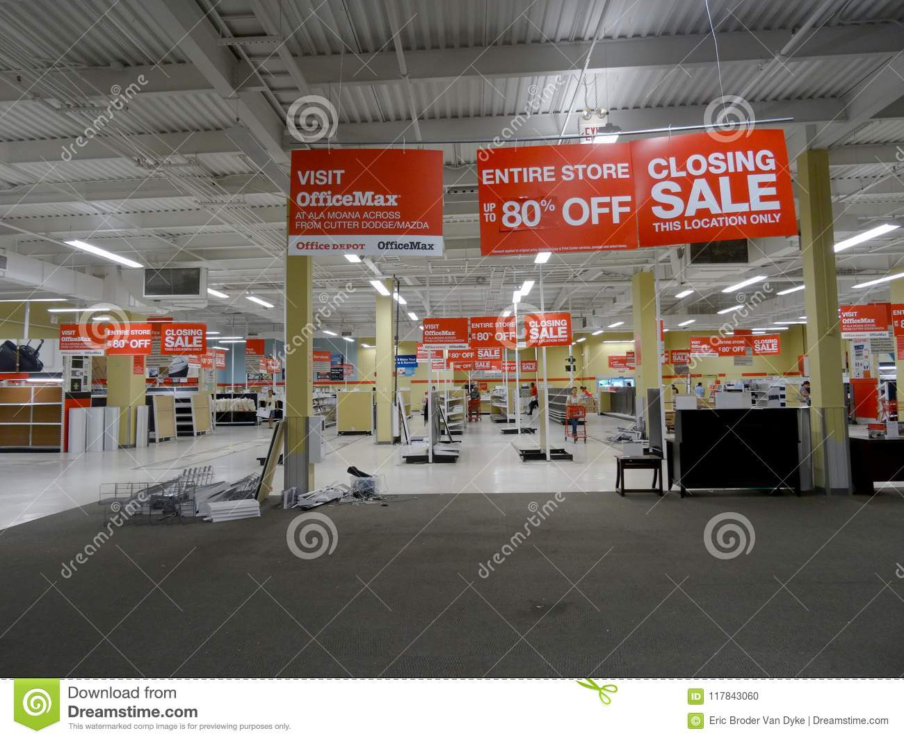 Officemax Honolulu Store Closing Sale Editorial Image Image Of