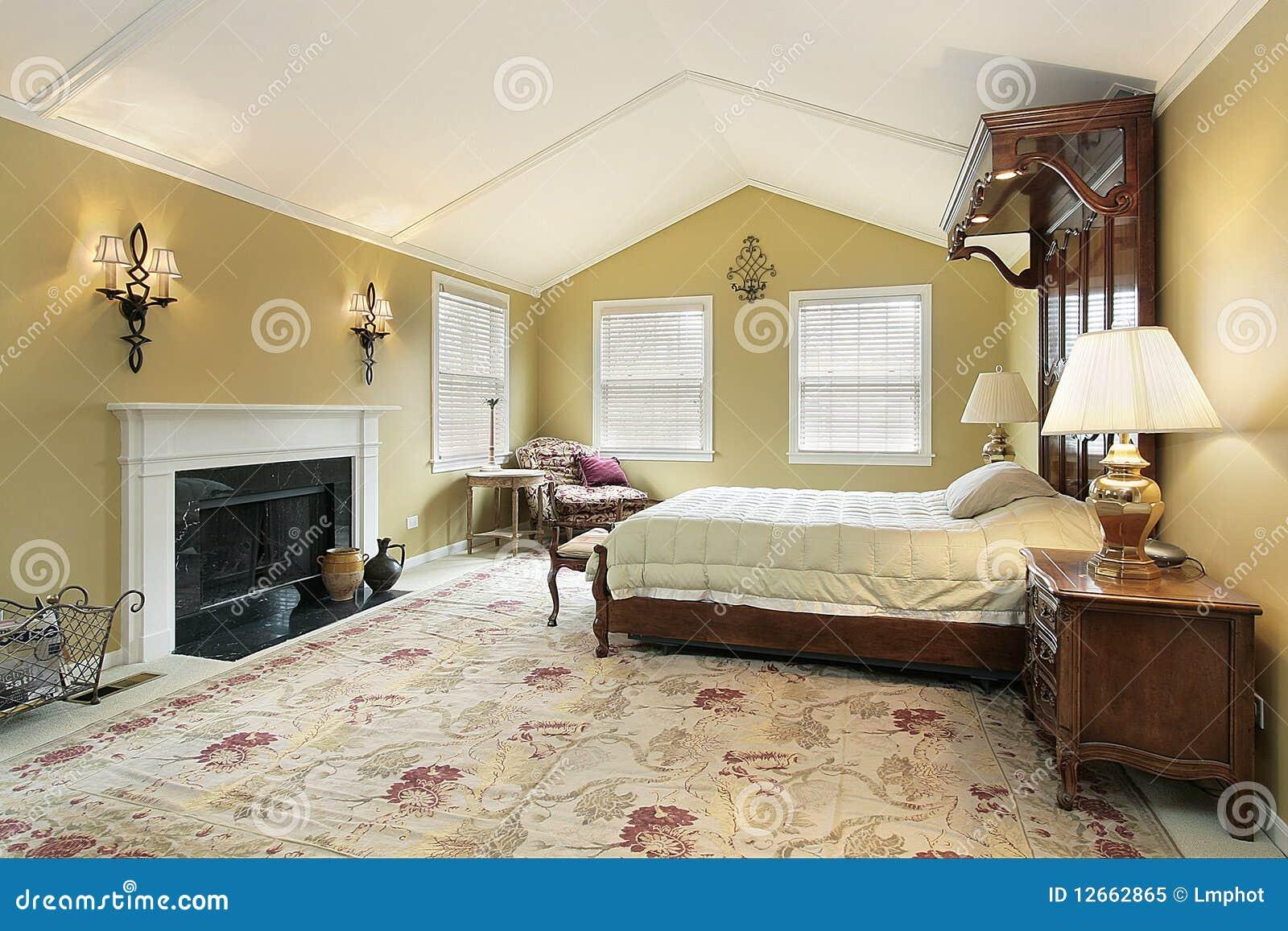 hoofd slaapkamer met gouden muren