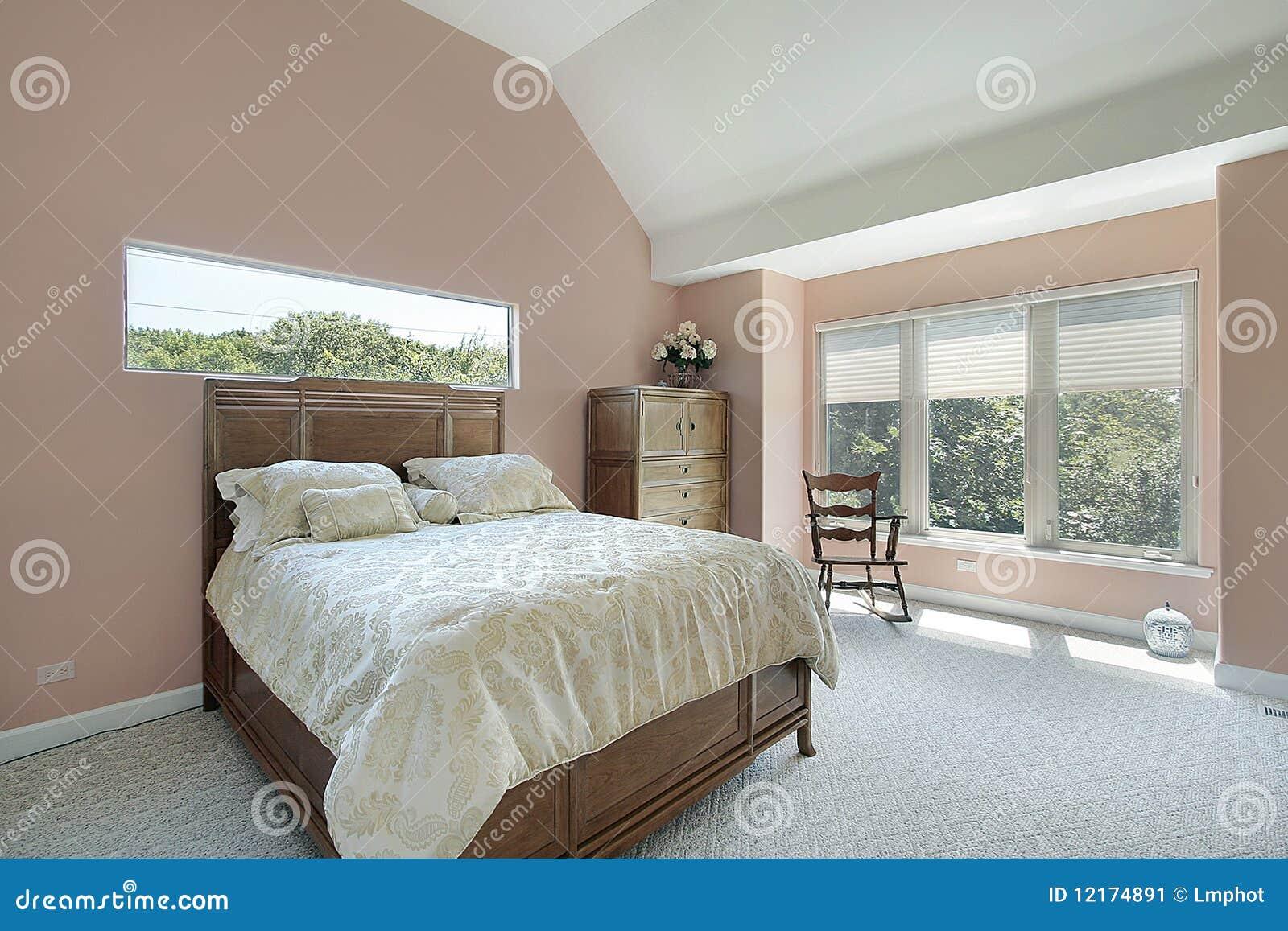Hoofd slaapkamer met mauve gekleurde muren stock afbeelding afbeelding 12174891 - Hoofd bed comtesse ...