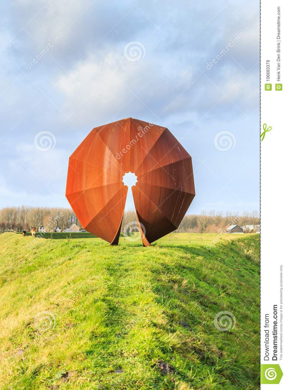 Landart And Sound-landscape To Absorb The Low-frequency